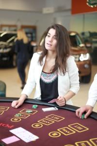 Мастер класс по покеру в автомобильном центре Артекс