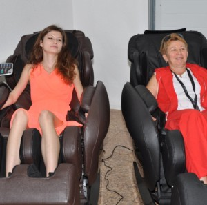 Массажные кресла profimed от эллотен на презентации jeep grand cherokee